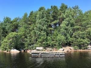 En brygga vid ön Stora Melpad i Runn.