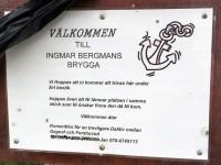 "En skylt vid ""Ingemar Bergmans brygga"" i Gimsbärke."