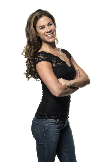 Roja Kamali: dansare, pedagog, gruppinstruktör samt administratör.