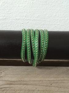 Grönt läderarmband