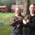 Vilma och Thea visade kaninhoppning