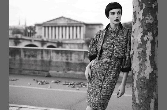 Modellen Julia, stylad i Chanel av Ingela Klemetz-Farago och fotograferad av Peter Farago
