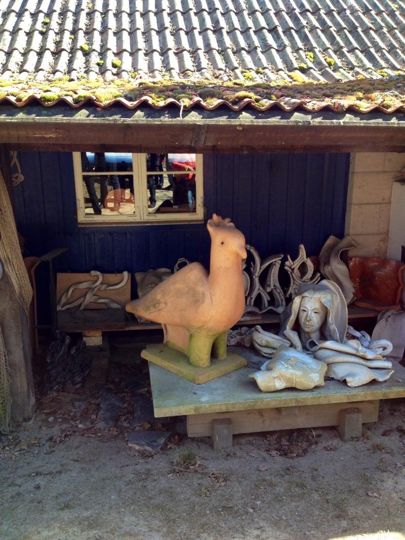 Entrén till Herthas verkstad och ateljé