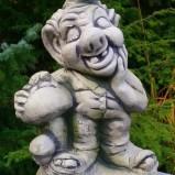 Troll med svamp trädgårdskonst