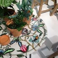 närbild Bugs & butterflies offwhite i Jan Rundgrens inspirationsmonter