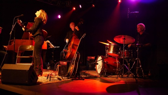 Mette med Alex Riel Trio