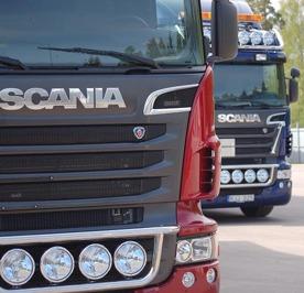 Lastbilalr som samlar in farligt avfall
