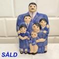 Familjen       2050 kr