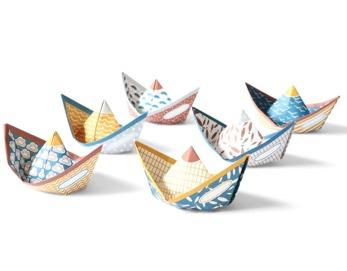 Sturdy ships - Pappersbåtar