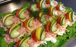Beställ smörgåstårta till festen från signes konditori & café i Båstad & Vallberga