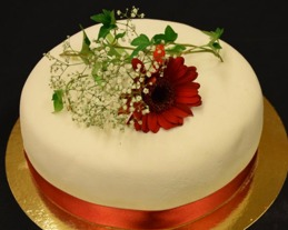 Bröllopstårta från Signes konditori