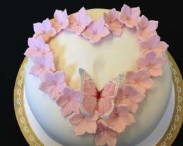 Blomhjärta på tårta