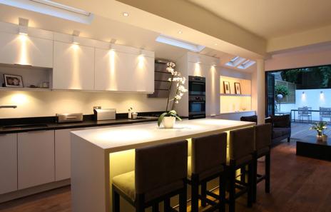 Ljussättning interiör – ta hjälp av våra duktiga ljusdesigners & ljuskonsulter på Belys Sverige i Halmstad. Installatörer & ljusarkitekter i Halmstad, Båstad, Kungsbacka, Varberg, Falkenberg och Laholm i Halland