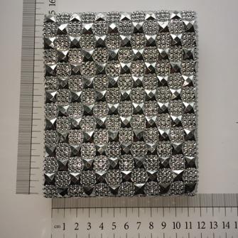 Nitar och blingbling band - Nitar o strass 1m ca 12,7cm bred