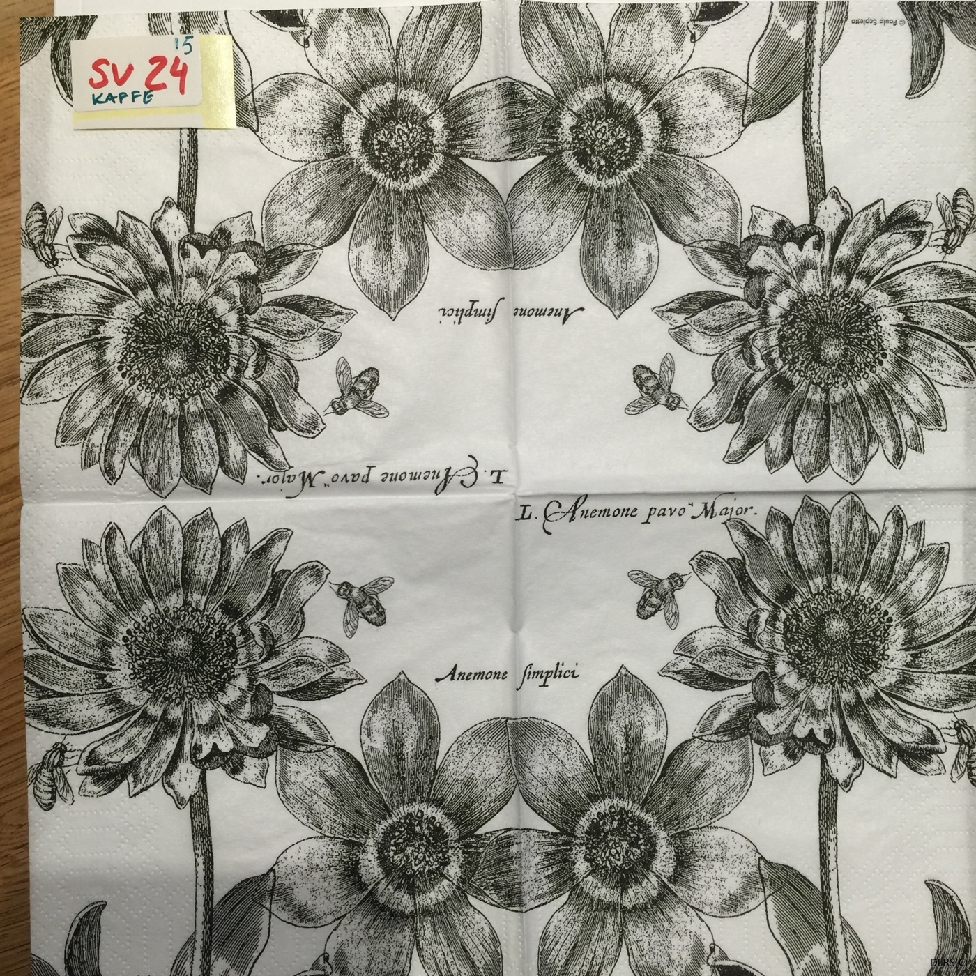 Blommor & bin kaffeservett