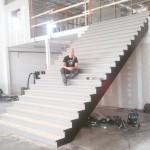 Offentlig rak trappa m. skyddsmatta