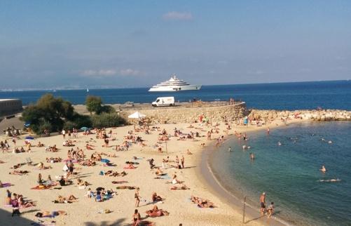 Vår närmsta strand, Plage de la Gravette