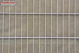 absorberande-bullerskydd-detalj