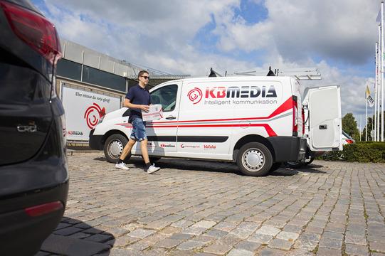 Information tryckeri Halmstad, söker du tryckeri i Halmstad? Produktionsbyrå i Halland! Information, nyheter & kommunikation. Kontakta KBMEDIA i Halmstad.