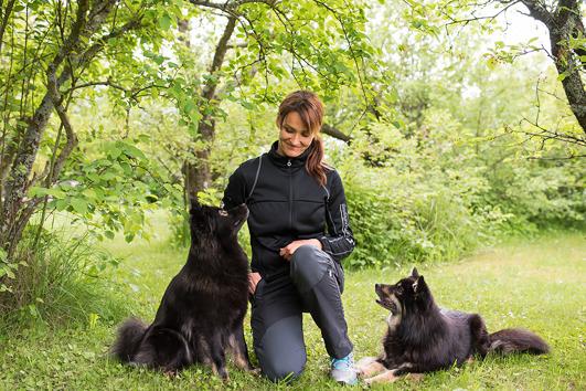 Resurshundförare Linda Gustafsson, examinerad 2014