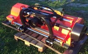 Betesputs 200 med hydraulisk sidoförskjutning Y-kniv - Betesputs 200 med hydraulisk sidoförskjutning