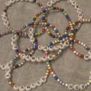 Armband, små pärlor - blandade färger
