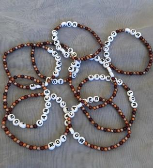 Armband, små pärlor - Tre bruna nyanser