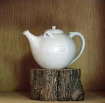 Tekanna Lillvit keramik
