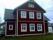 Spröjsade PVC-fönster i äldre hus