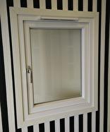 Utåtgående fönster 2
