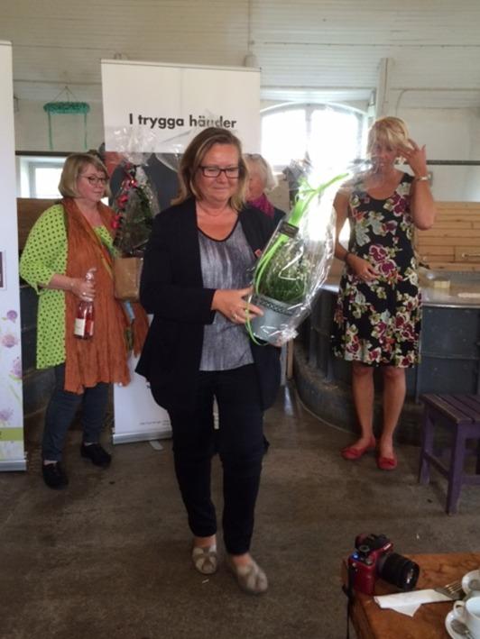 Även undertecknad, Cathrine Rydström, fick en blomma för gott arbete som bildredaktör...