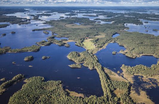 Flygbild över Åsnens ö- och sjövärld