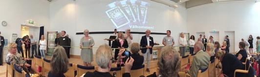 Invigning av Sydostleden på Konserthuset i Växjö 17/6. Tre regioner och nio kommuner knöt band, istället för att klippa band!