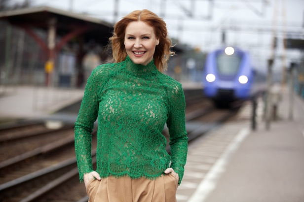 Ängeholms stolthet Jenny Silver Sångerka/Lokförare för Aller Media