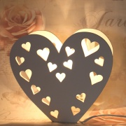 Lampa hjärta i trä