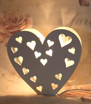Lampa hjärta i trä -