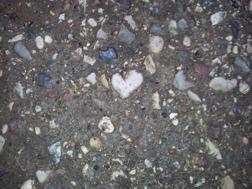 Kärlek, medmänsklighet och empati är några av de viktigaste egenskaperna hos ett medium.