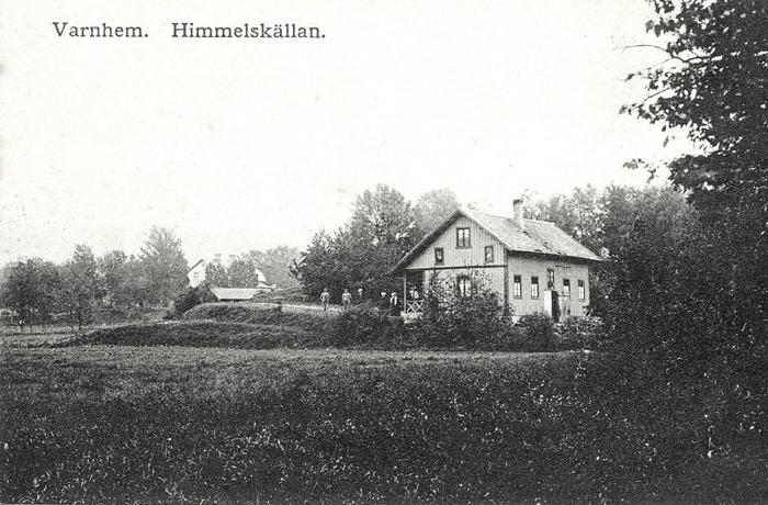 A. 28 (2) Himmelskällans bandanstalt runt sekelskiftet 1800/1900. Till vänster skymtar byggnaden som innehöll restaurant och gästrum. Insatt av Kent Friman, 2014-02-24.