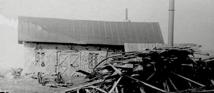 C. 12 (1) - detalj av bilden! Smedjan vid Tomten 1921. Bilden redigerad och uttagen av Kent Friman, insatt 2014-02-26.