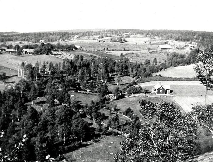 B. 2 Utsikt från Ramlaklev. Insatt av Kent Friman, 2014-02-25. Lär mer på www.ljungstorpshistoria.se