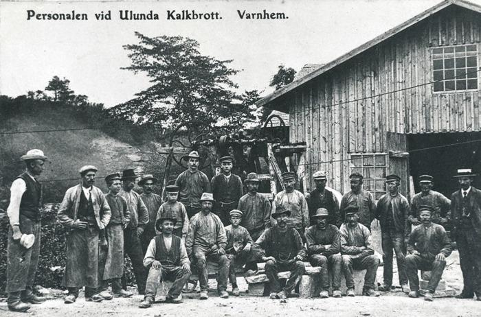 C. 15 (1) Personalen vid Ulunda Kalkbrott, Varnhem . Insatt av Kent Friman. 2014-02-26.