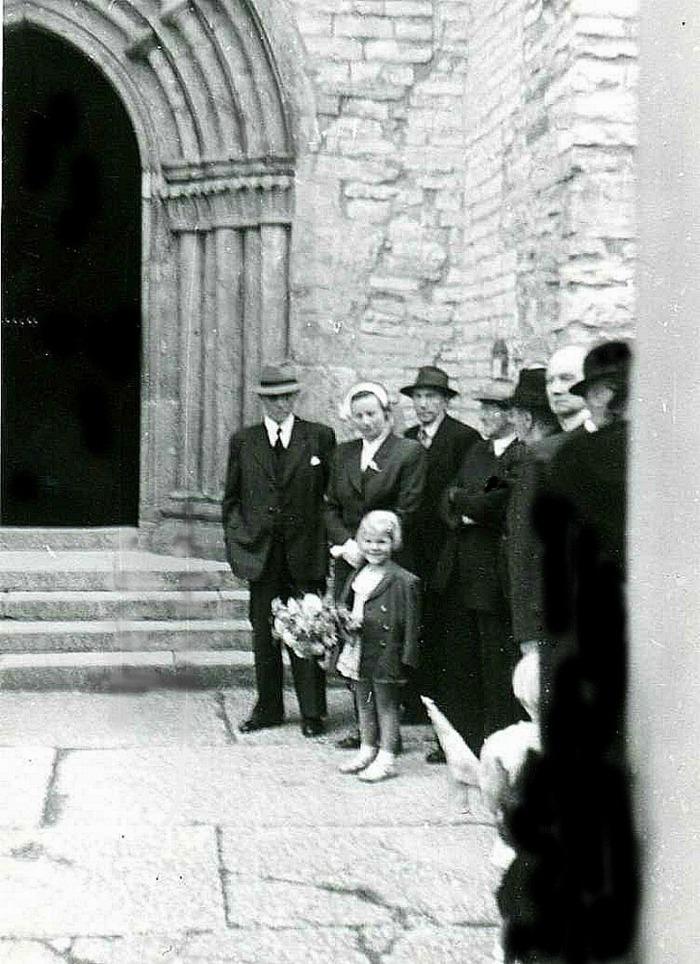 D. 17 (3) Familjen Hermansson med dotter väntar otåligt på kungens ankomst. Insatt av Kent Friman, 2014-02-28. Klicka på bilden för att se den mindre!