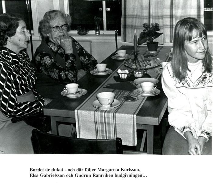 D. 38 Endast digital bild. Margareta Karlsson, Skolan, Elsa Gabrielsson och Gudrun Ramviken. Foto Bo Ramviken. Bild från Gudrun Ramviken, Sörgården, Varnhem, 2014. Insatt av Kent Friman, 2014-04-27