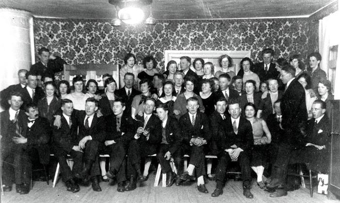 F. 4 (1) Skottårsbal i Kyrkebo 26 februari 1928. Insatt av Kent Friman, 2014-03-02.