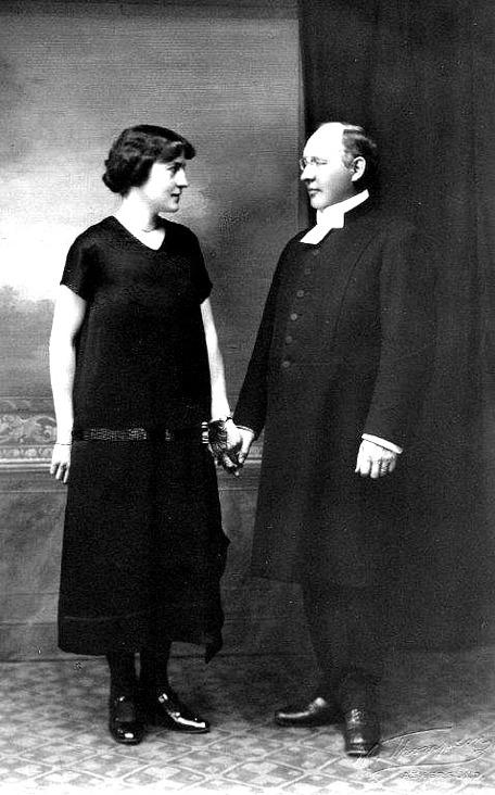 David Ahlner och hans hustru Hulda Werner inför bröloppet 1911. K. David Ahlner, 1911. Foto från Lars Olof Larsson, Timmersdala, 2015