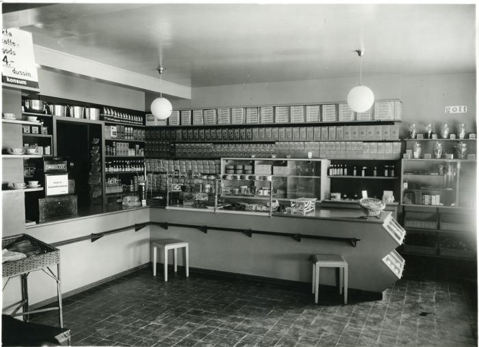 A. 21 (11) Interiör Konsum 1930-tal. Coop - KF, arkiv och bibliotek via Welins butik. Insatt av Kent Friman 2016-11-28