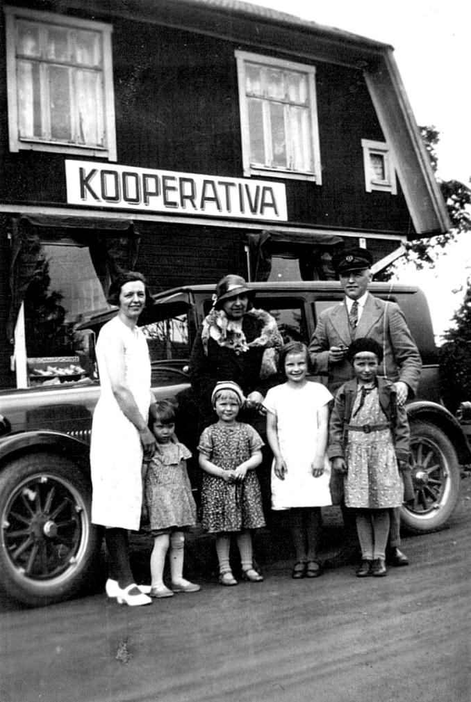 Familjen Enoc Nilsson - bild fråndotterdottern Anna-Karin Karlsson, 2018-07-09
