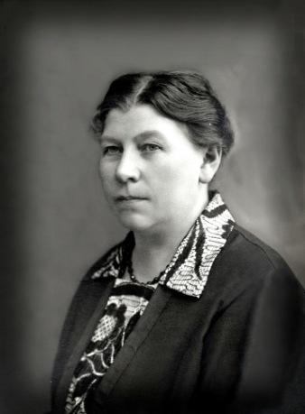 Dotter Elsa Charlotta*, född i Skara 1878-09-12