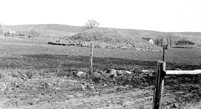 Fogdegården gravhög 2 - Foto: S. Welin 29/9 1930.