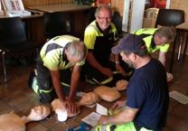 MaritiMed erbjuder utbildning & kurs i hjärt & lungräddning HRL på företag & arbetsplatser i Halland & Västra Götaland